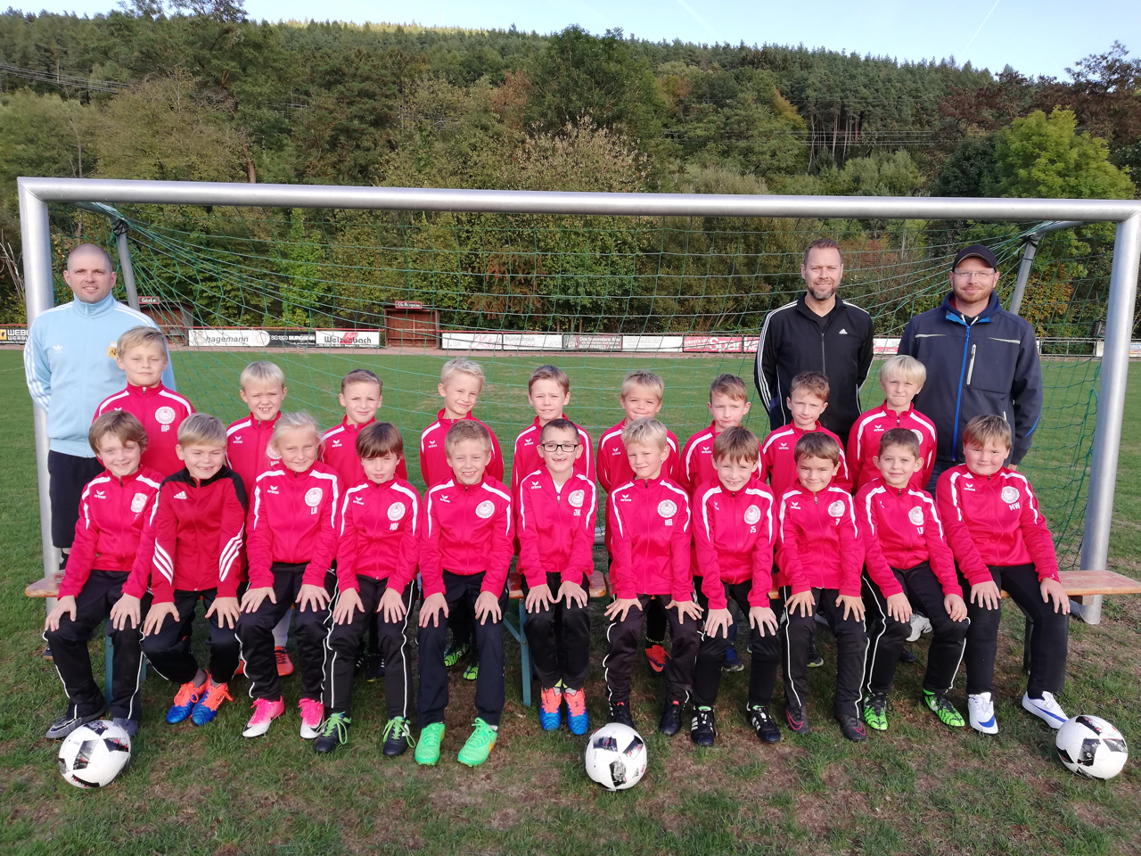 u9 trainingsanzuege herold web